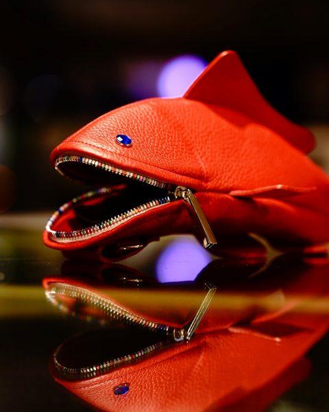 赤いメガネケース